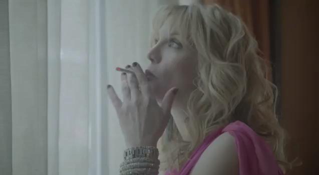 Courtney Love Vaping