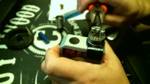 How To Rebuild The Dark Horse RDAImage10 pinch the coils
