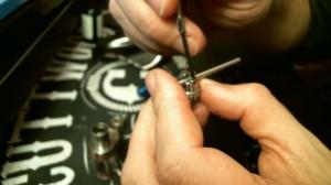 Image 5 tightening screws