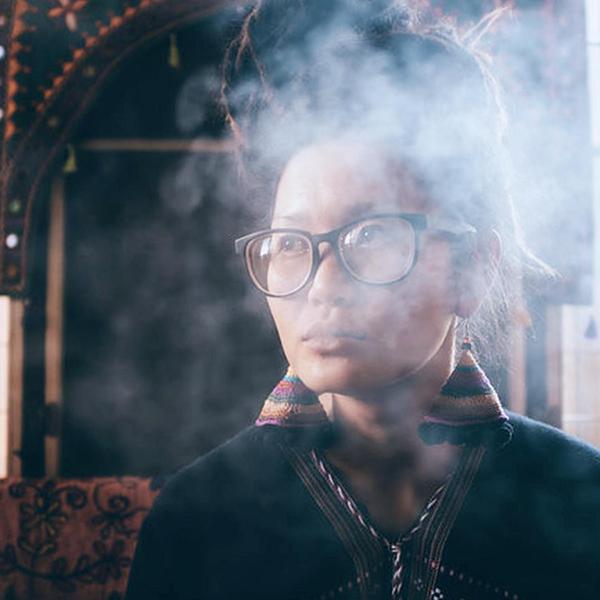 woman vapor