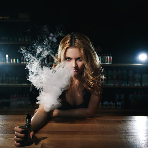 woman vaping bar